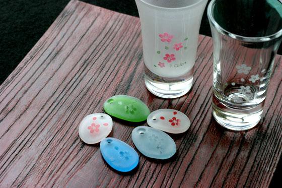 7-Colorsブースでは可愛い桜柄アクセサリー、グラスのぬり絵が楽しめます(*^^)v