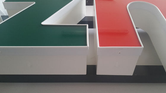 Profil 5 Buchstaben mit Kunststoffumleimer und LED Ausleuchtung
