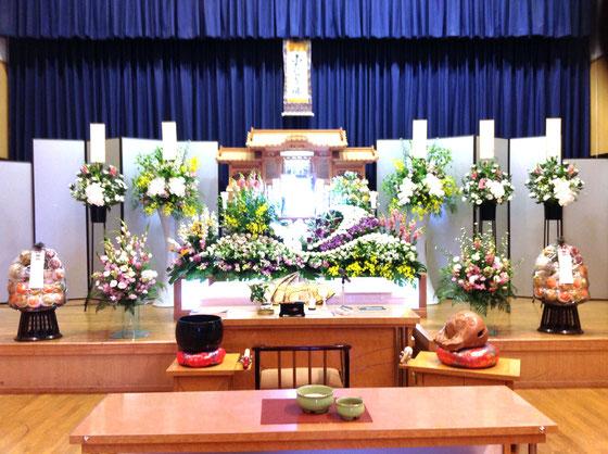 野菊の里 花祭壇
