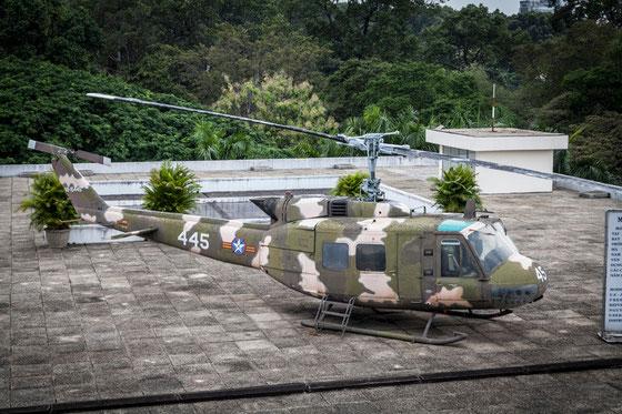 Helipuerto en la azotea. En esos días se usaban mucho los helicópteros en las azoteas....                 (veanse las siguientes fotos)