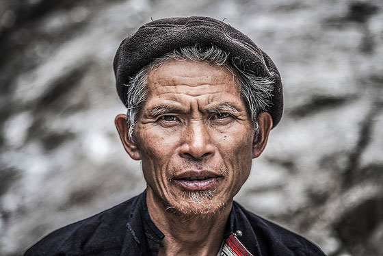 Anciano etnia Dao