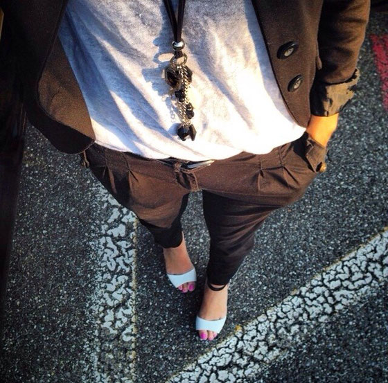 Hose: Zebra Fashion / Shirt: Street One / Blazer: WE / Sandalen: Bata