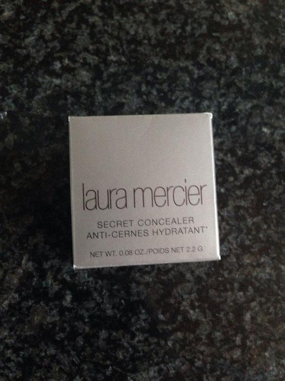 Nach Empfehlung einer Freundin habe ich und meine Schwester diesem Concealer von Laura Mercier bestellt.