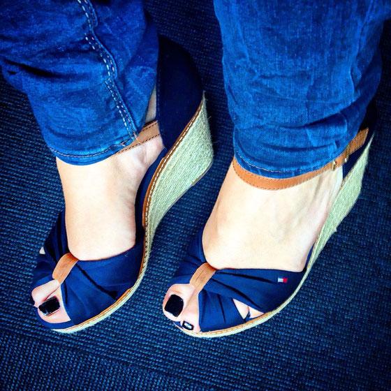 Meine Tommy Hilfiger Sandalen sind endlich angekommen!!! Es ist Liebe! :-)