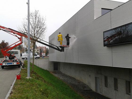 Fassadenreinigung: Werkgebäude Hägglingen