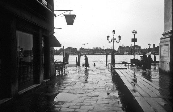 Pluie,Venise,Avril 2001