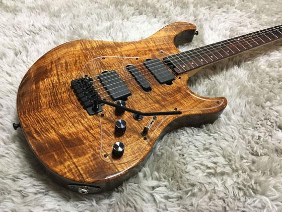 木フェチギターはクリアPGで。