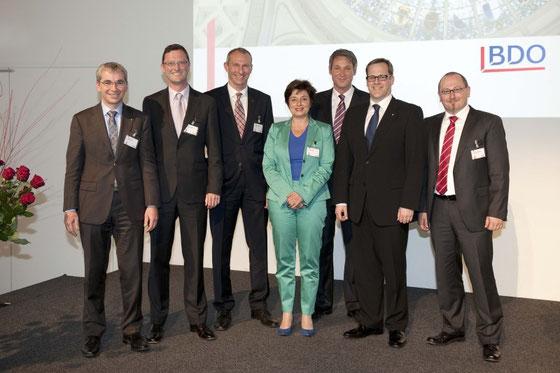 Gruppenbild mit Dame... Erich Ettlin, Peter Keller, Heinz Vogel, Anita Fetz, Franz Fischlin, Kaspar Michel, Branko Balaban
