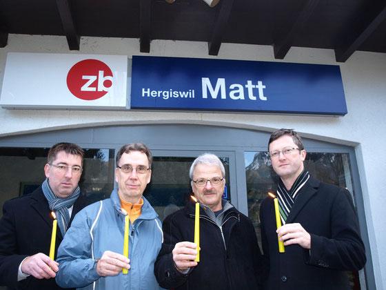 Protestaktion gegen die Schliessung der Haltestelle Hergiswil Matt (Dezember 2013). Mit Thomas Blättler, Guido Thalmann, Maurus Adam (v.l.n.r)