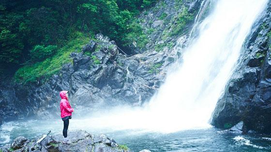 迫力満点の大川(おおこ)の滝
