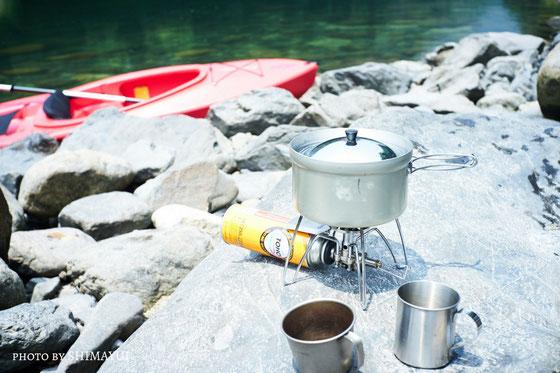 屋久島の美しい渓谷美を見ながら、美味しいモーニングコーヒーをどうぞ