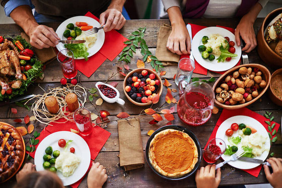 Heart healthy holiday recipes for the win! Here are dinner ideas for Thanksgiving, Christmas, Hanukah & beyond. #hearthealthy #holidayrecipes
