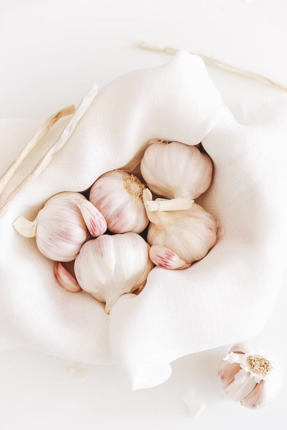 How to get rid of garlic breath? Try this remedy! It might just be a cure to remove the smell!