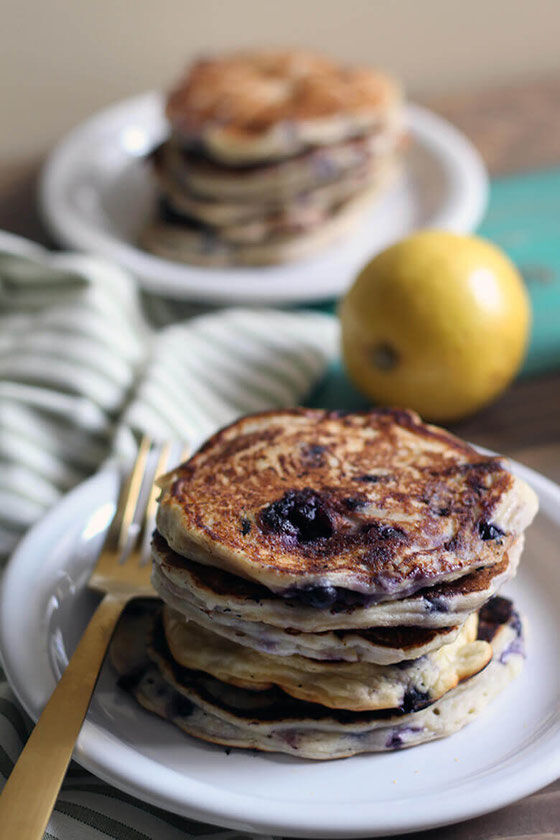 How about an easy, healthy blueberry lemon ricotta pancake recipe? #ricottapancake #wildblueberries