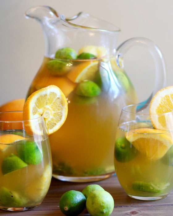 Looking for virgin sangria recipes? This non alcohol mocktail pick is made with Lipton green tea and is great for parties!