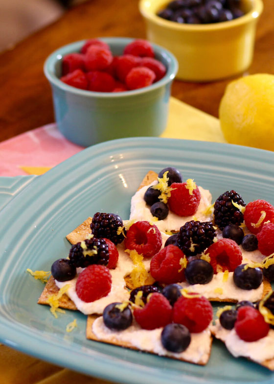 Ahoy, Loaded Berries & Cream Dessert Chips! This sweets recipe requires no baking and is loaded with berries!
