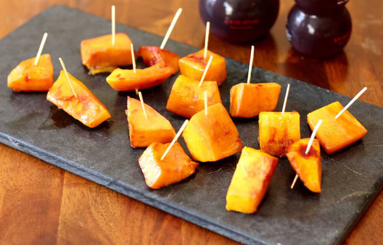 Want a healthy and easy recipe? Try this low carb Roasted Butternut Squash with Pomegranate Sauce. It's one of the best vegan side dishes!