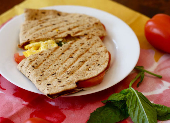 Here's a breakfast you can make on the panini press! This Italian breakfast panini is made with flatbread and is full of protein! #breakfastpanini #panini #paninipress #breakfast #flatbreadrecipe #breakfastrecipe
