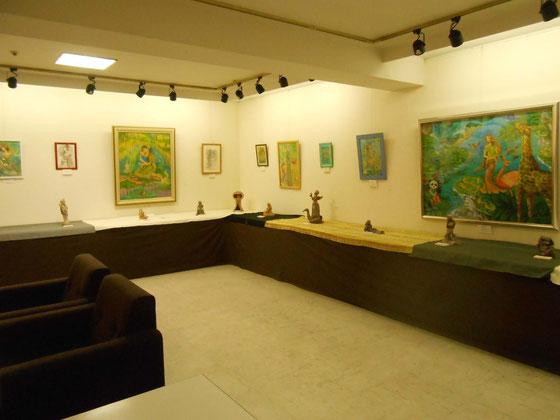 立花雪 炎と楽園のアート 作品展 初日の頃。彫塑はこの後桐箱を使用して飾られ、一日一日変化しました。