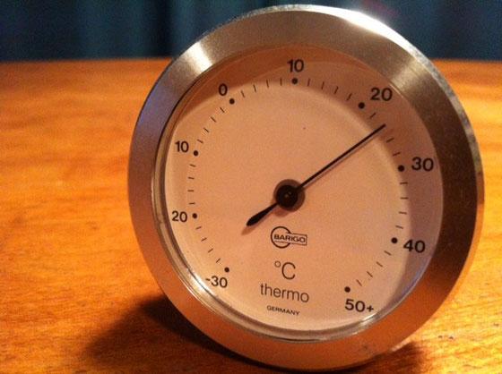 温度計、、カチっとしてて気持ちいいです。 ドイツらしい。。。。