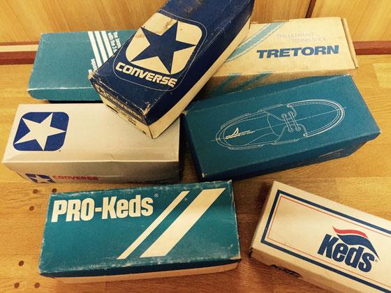 靴の空箱! 中高で履いてた靴ですね、、カセットテープ入れたりして20箱くらいは持ってたんですけど箱ごと友達にあげたりして残り少なく、、、、、