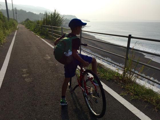 安芸からはサイクリングロードを通ることにします。車の危険性がないからその分気が楽だわ♪ *四国をぐるっとこのサイクリングロードで囲んでくれてたら、四国一周も考えなくもないな~w