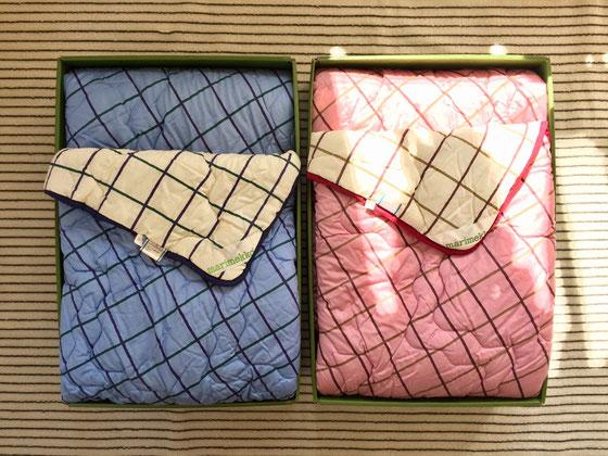 シンプルなデザインのモノがあったんで、、、 これは、布団の西川と業務提携してた頃の肌掛け布団のデッドストック。 化粧箱の状態は良くないけど、布団の状態は◎♪