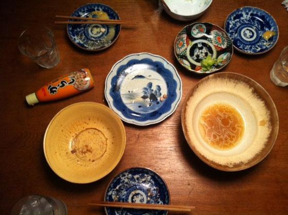 普通にうまかったです♪ *コレ月曜日の夕食なんですけどね、、今日も鳥団子入りおでんです、。(汗)