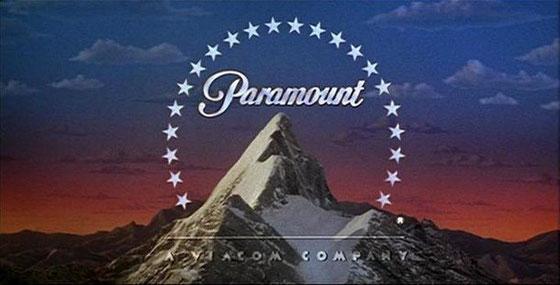 パラマウント映画のロゴです。 見覚えがあるロゴでしょう。