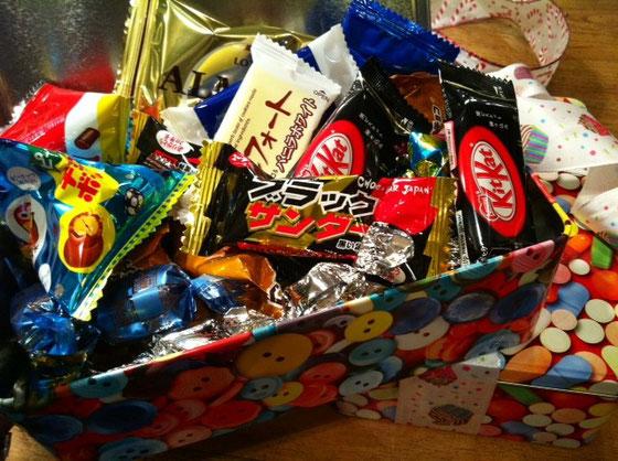 大量のチョコでカロリーが気になるところですが、気にせず食べたいとおもいますw 片岡さん毎年ありがとうございます。