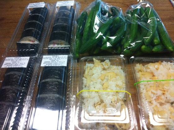 で~ん! 巻きずしに筍ご飯、ミニ胡瓜! 多すぎるんですけど♪w でも美味しいんでありがたく頂きやしたw 長谷川さんいつもありがとうございます。