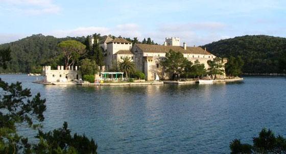 Ovde mora da je bio konc-logor: Ostrvo Mljet, grobnica srpskih turista
