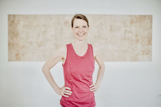 Wirbelsäulenfachtrainerin, Pilates- & Yogalehrerin, Beckenbodentrainerin, ärztlich geprüfte Fastenleiterin, Gesundheitsmanagerin