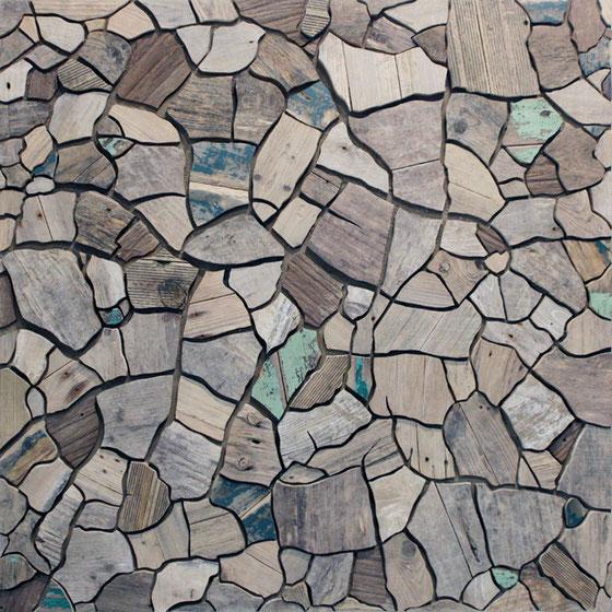 L'art contemporain à Pauillac avec cette oeuvre sur l'estuaire de la gironde l'artiste Laurent Valera. Il réalise ici une oeuvre poétique sur les migrations de ces planches de bois sur les eaux de l'estuaire de la Gironde et de ses affluents.