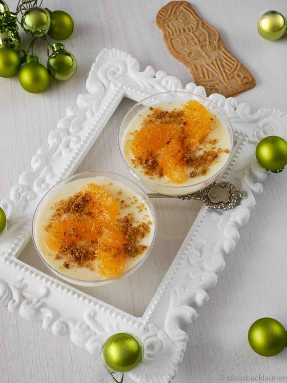Panna cotta mit Mandarinenfilets und Spekulatius