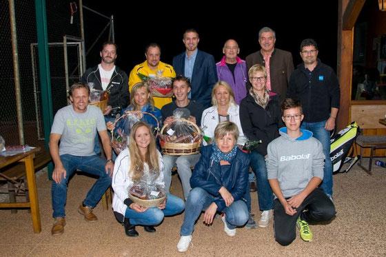 Die Finalisten bei der Siegerehrung mit Bgm. Peter Stauber und dem Vorstand!