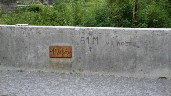 Brücke bei der Wehranlage in Bovec