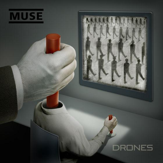 """Copertina dell'album """"Drones"""" della band Muse"""