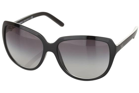Occhiali da sole donna Dolce & Gabbana Modello: 8069 Colore: 501/87 nero. Colore lenti: grigio sfumato. Calibro 61-16. Materiale: plastica. Protezione UV 100%