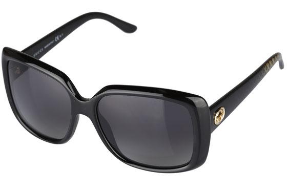 Occhiali da sole uomo Gucci Modello: 1018. Colore: V6Z/WJ nero. Colore lenti: grigio sfumato. Calibro 56-16. Forma: squadrato. Materiale: plastica. Protezione UV 100%