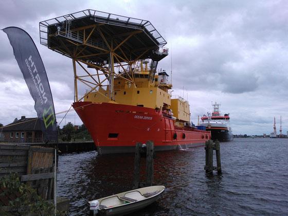 Versorger (Ocean Zephyr) & Forschungsschiff (Sonne)