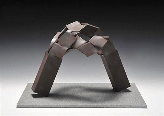 Metamorphosis (変容) -  表・裏  <No.M - 33> / 2010 / H.27 x 40 x 23cm  / steel