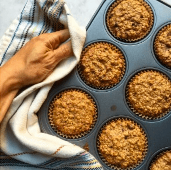 I love sweet and savory oatmeal. It's a fiber-rich ingredient to add to frittatas & baked desserts. Here are healthy oatmeal recipes for breakfast, lunch, dinner dinner and dessert! #oatmealrecipes #savoryoatmeal #plantbased #weightloss #healthybreakfast