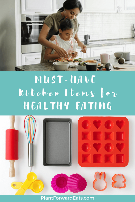 These must-have kitchen tools and gadgets will make healthy eating and food prep fun. Plus, they'll minimize time in the kitchen, help with weight loss & help you save space. #cookingequipment #kitchentools #kitchenorganization #kitchentools #weightloss