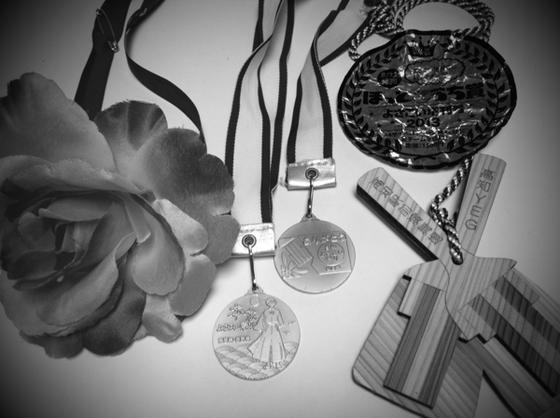 初日の何か所目かまでは緊張し、笑顔もなかったようですが、気が付けばノリノリでイキってたらしく、メダル4コ+ほっとこうち賞なる物も貰ってました! 『来年もぜったい踊る!』らしいですw(滝汗)