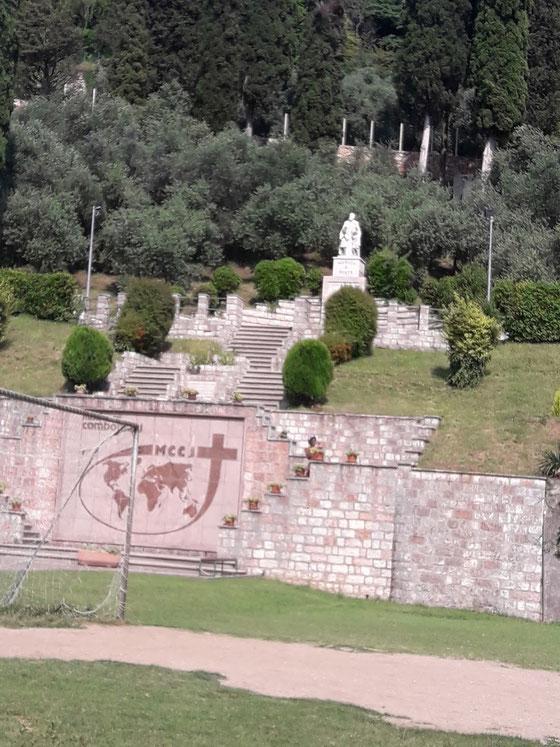 Il campetto da calcio dei Missionari Comboniani di Verona