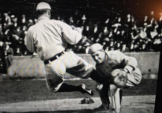 Nell'immagine Ty Cobb uno dei più aggressivi ladri di basi di tutti i tempi