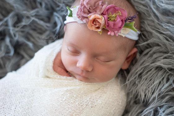 Séance photo naissance bébé à domicile Dijon Beaune Chalon sur Saône Nuits Saint Georges Dole