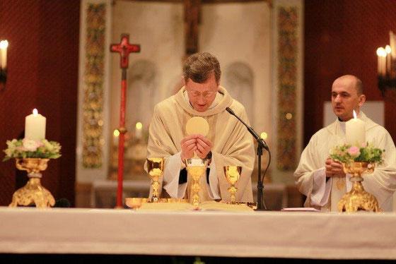 Unser Pfarrer mit seinem Nachfolger, dem designierten Provisor Pawel Marniak