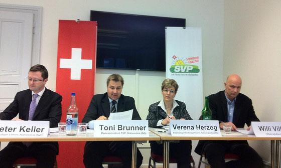 Medienkonferenz der SVP Schweiz zum Lehrplan 21. Februar 2014